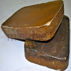 Raw beeswax (Kg)